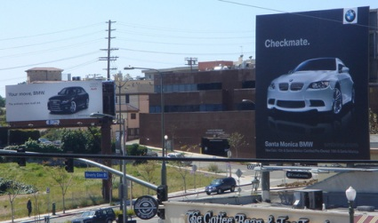 256-bmw_v_audi_sign_war